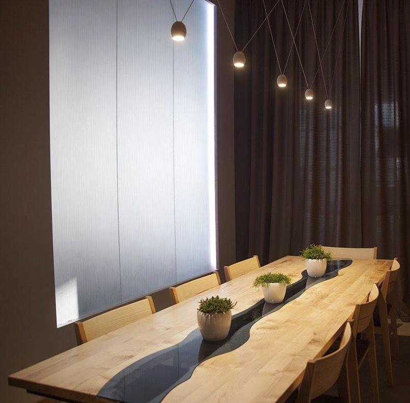 стол из массива клёна для vip зала ресторана grun