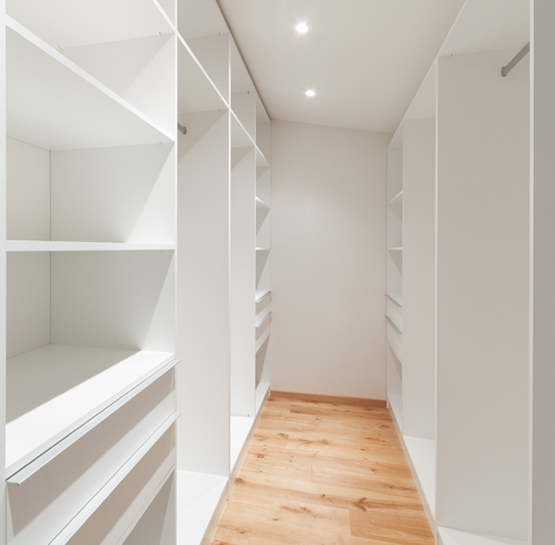 Dressing rooms and cabinets