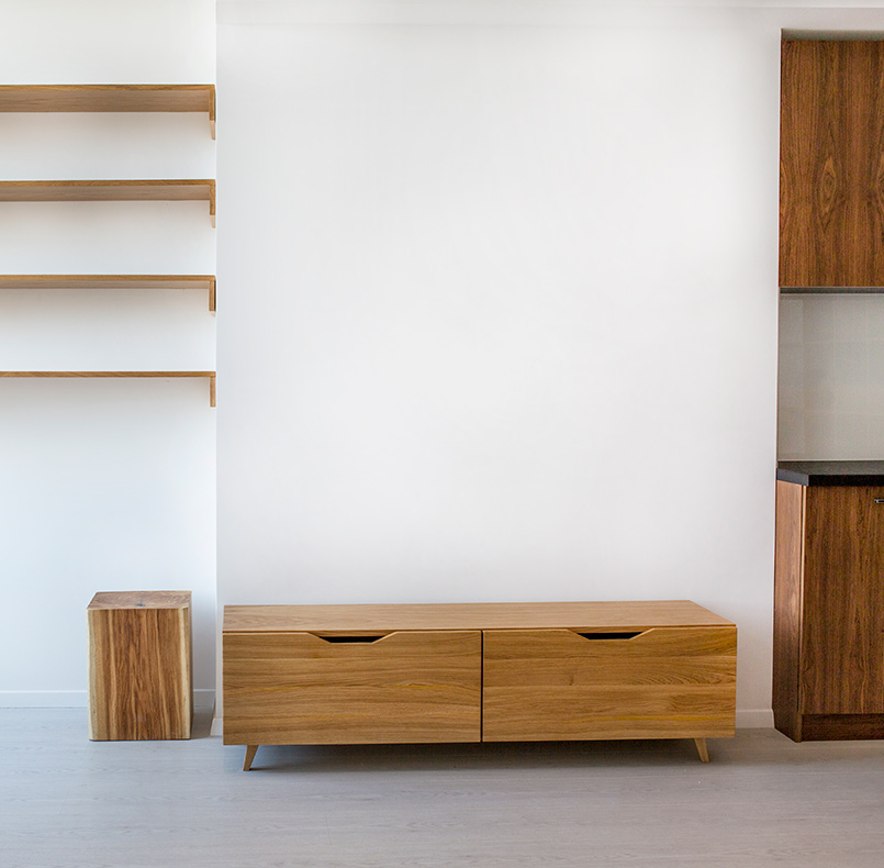 Stand and Cantilever shelves customized, PL14 deck, solid oak